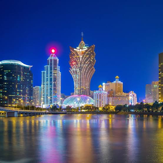 Is opening a casino in Macau a good business decision?